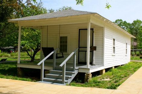 Elvis' Childhood Home