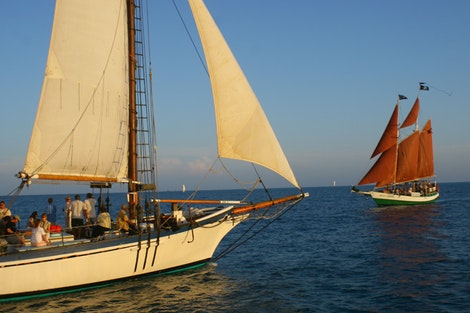 Boat vs Boat