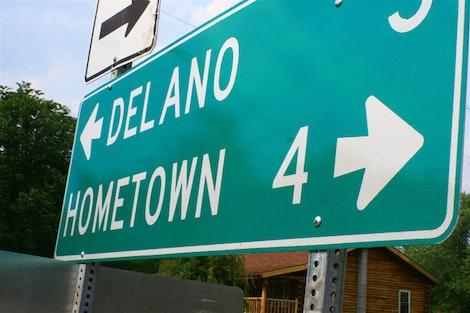 Hometown 4>