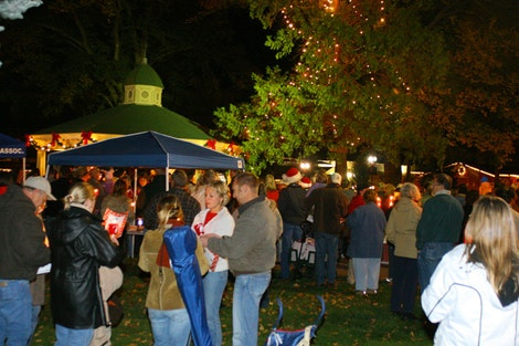 Tree Lighting in Paso Robles